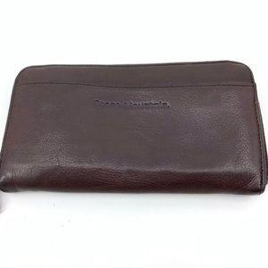 🦄 Stone Mountain women's wallet clutch zip close